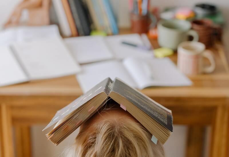 Gouden tips om stressvrij en gefocust aan de examens te beginnen